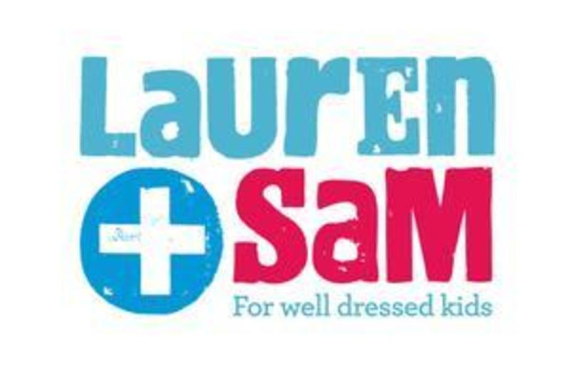 Lauren + Sam (CBD Hobart)