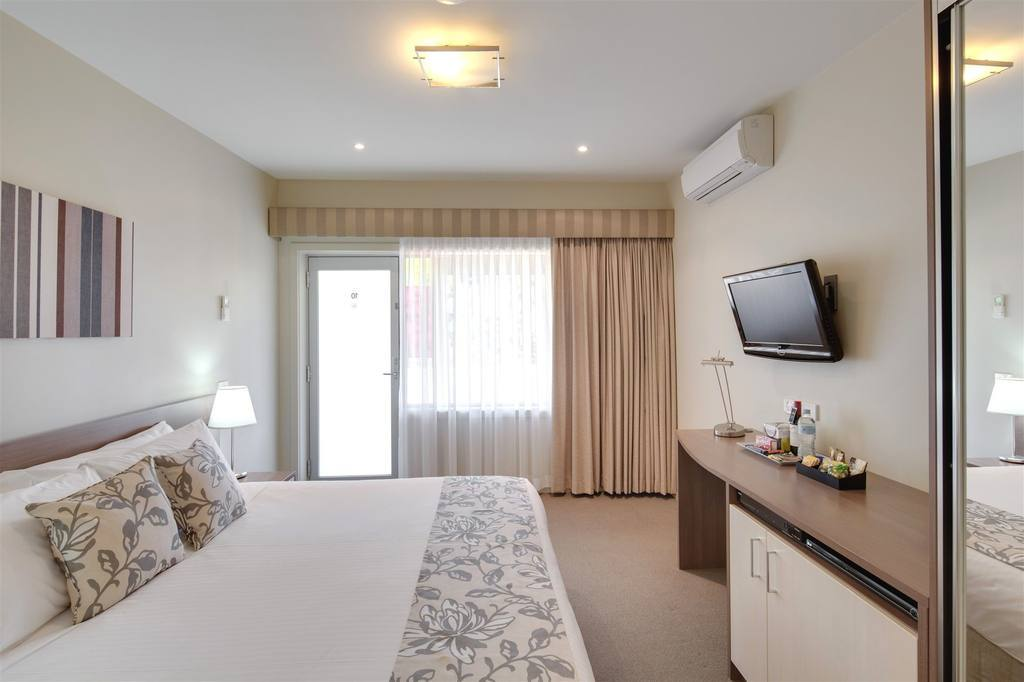 Stylish Modern Motel in Gippsland - Ref: 17202