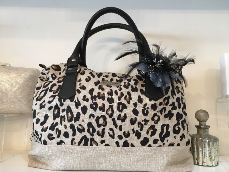 Italian Bags, Accessories & Gifts (CCGBS010)