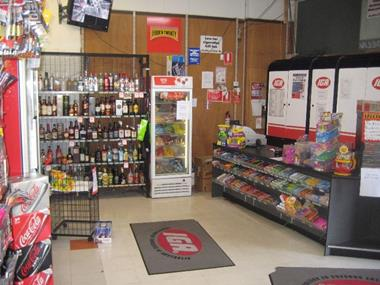 Supermarket and Bottle Shop - South East Area (1206L)
