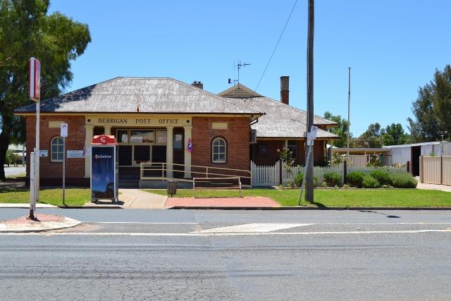 Berrigan Licensed Post Office NSW (DB1726)
