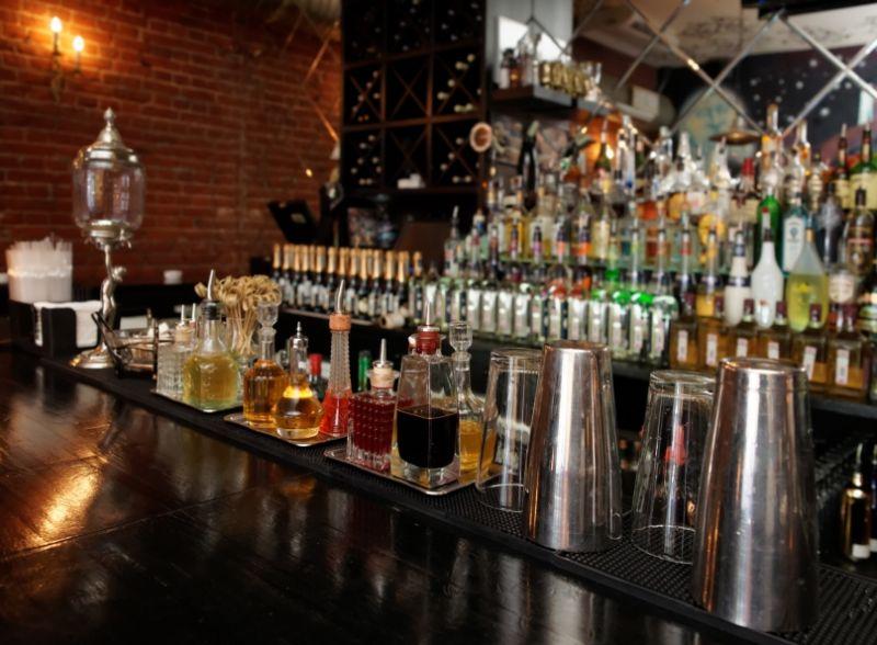 Lounge Bar Tkg $18000+ pw*Windsor*Estd over 21 years*4 nights(1807091)