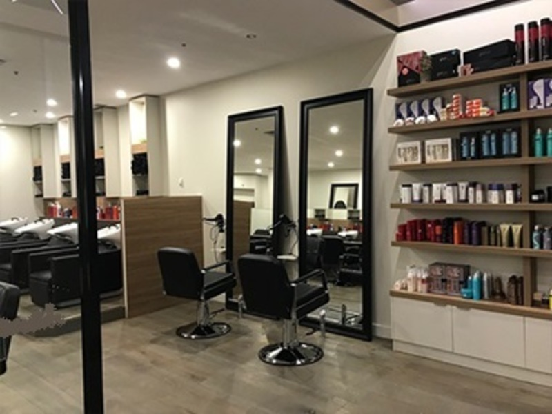 Beautifully fitted out Hair Salon (Ref 5675)