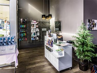 Hair & Beauty Salon  'Pakenham Precinct' Call Marie 0488 011 728   (Ref 5363)