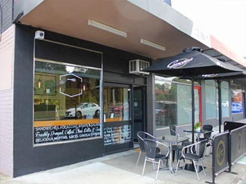 Takeaway Food/Cafe  'Burwood'  Call Lindsay 0484 091 799  (Ref 5701)