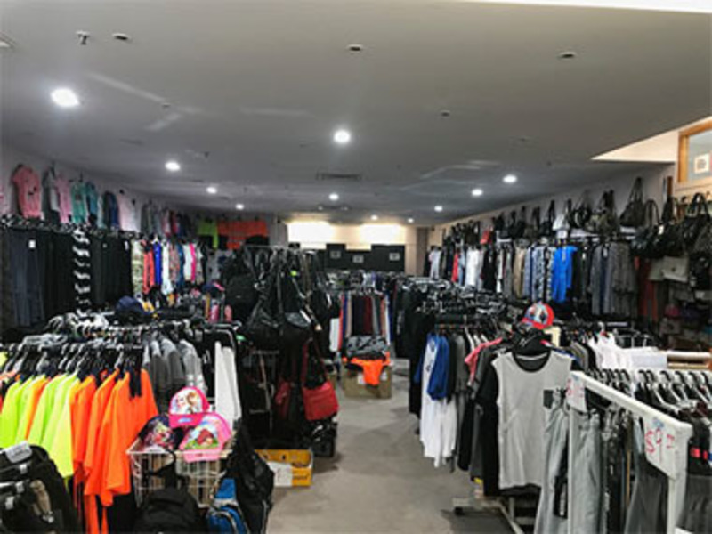 Ladies / Men's Fashion  'Meadow Heights S/Centre'  Call Ray 0488 058 736  (Ref 5