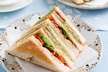 (4265) Sandwiches/salads/coffee - Sales $18,500 P.w - Concord Area -