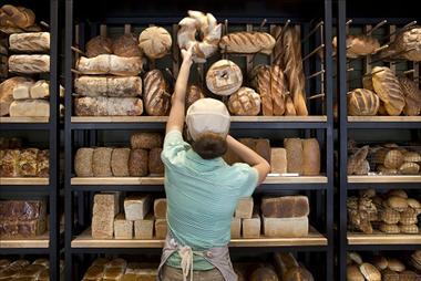 Brumbys Bakery & Café franchise. Baking fresh quality bread daily! Enquire now