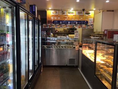 St Kilda Bakery/Cafe for Sale - Taking $13,000 pw (Our Ref V981)