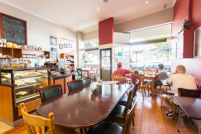 A Golden Opportunity in Williamstown! Benchmark Cafe/Restaurant! (Our Ref V1300)
