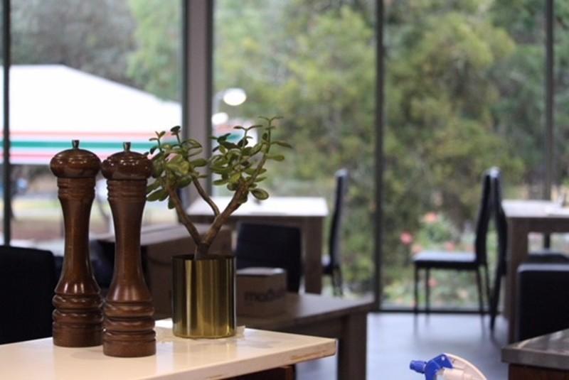 Cafe, Tapas and Function Venue - Tkg $11,000 in Eltham (Our Ref V1147)