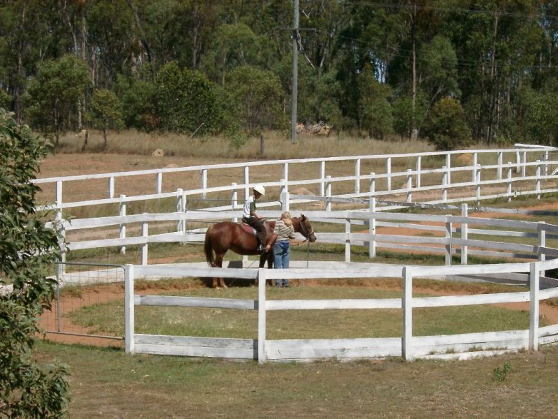 lockyer-valley-horse-riding-farmstay-prop-freehold-with-excellent-infrastructure-1