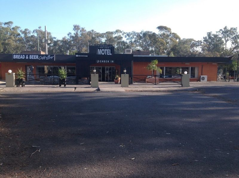 FREEHOLD MOTEL, HOTEL, RESTAURANT AND CAFE - IDEAL LIFESTYLE BUSINESS