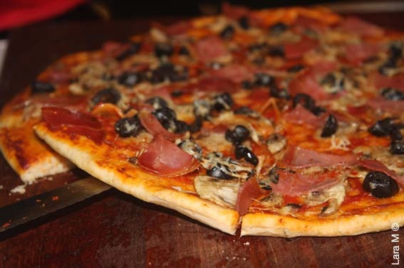 PIZZA SHOP, TAKING $4,500 PW, SOUTH EASTERN SUBURBS, PRICED AT $59,000, REF 6497