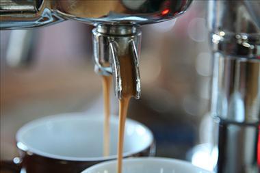 COFFEE LOUNGE, TAKING $32,000 PW, CBD, 5 DAYS ONLY, $1.6M, REF 5491