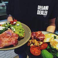 torquay-here-it-comes-new-degani-cafe-on-gilbert-st-corner-position-7