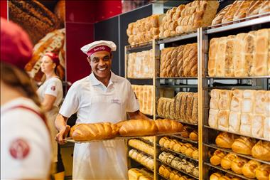 Bakery franchise opportunity with average weekly sales in excess of $11,000