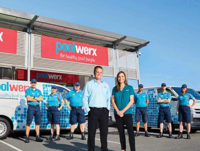 existing-mobile-pool-servicing-franchise-poolwerx-bathurst-nsw-2
