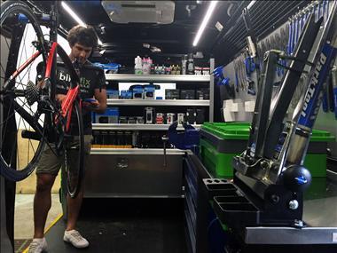 bike-fix-mobile-is-bringing-bicycle-maintenance-to-your-door-2