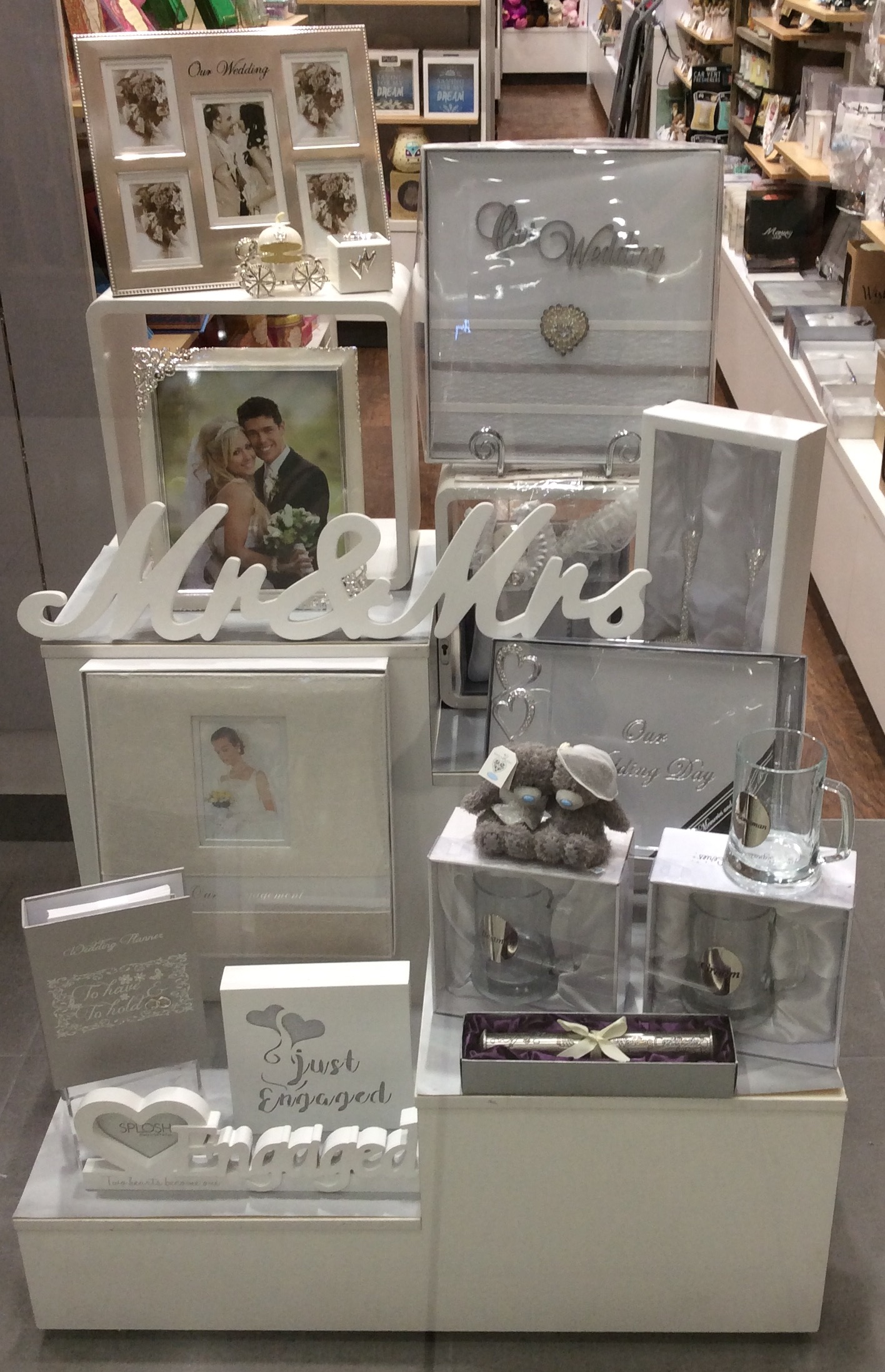 wild-cards-gifts-westfield-garden-city-brisbane-4