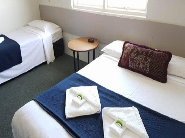 tasmanian-leasehold-26-ensuite-room-hotel-motel-function-centre-water-views-25-0