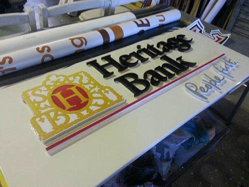 Signwriting, Vehicle Wraps, Commercial Signage