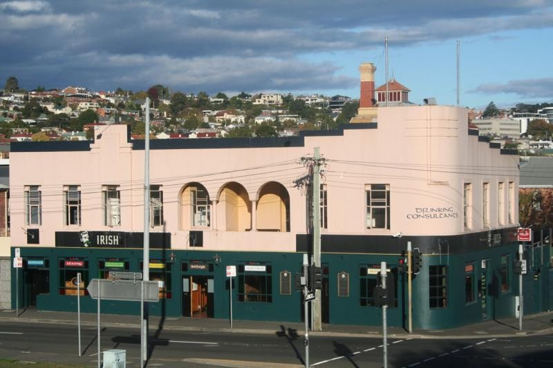 Tasmania, Fantastic Leasehold Pub, t/o $1.7m plus, Netting approx $400,000 offer