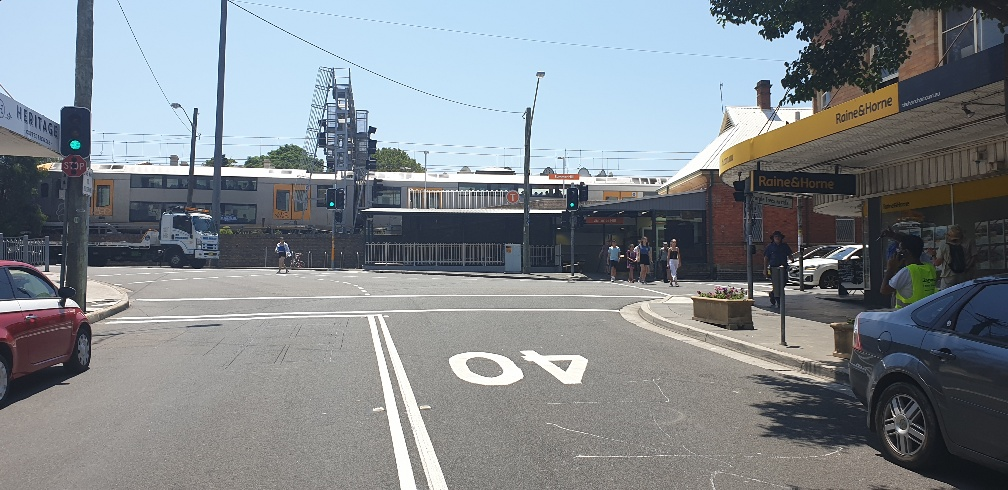 BUSY LOCATION, OPPOSITE TO SUMMER HILL STATION, SMALL & EASY TO MANAGE CAFE