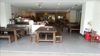 Cafe in Lower North Shore for sale - PRICE REDUCED WIWO