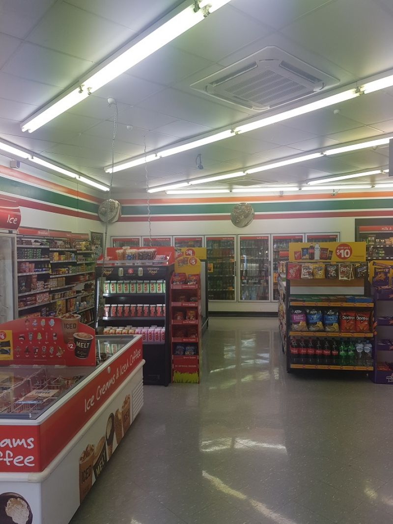 7 ELEVEN  FOR SALE LOCATION ABSOLUTELY SUPERB TURNOVER 2.2 MIL P.A BRISBANE INNE