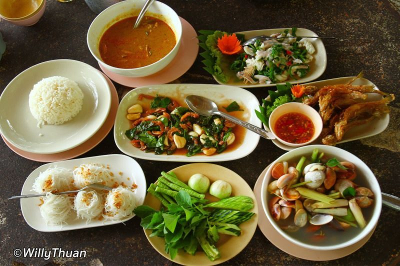 Great Position - First Time Offered Thai Restaurant - Affluent Suburb - Suit Any