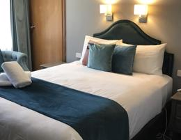 MOTEL FOR SALE - BUSY NEWELL HWY LOCATION - BEAUTIFUL PRESENTATION