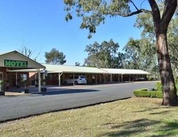 MOTEL FOR SALE - CENTRAL WEST - SPACIOUS - SPOTLESS - 3.5 ACRES