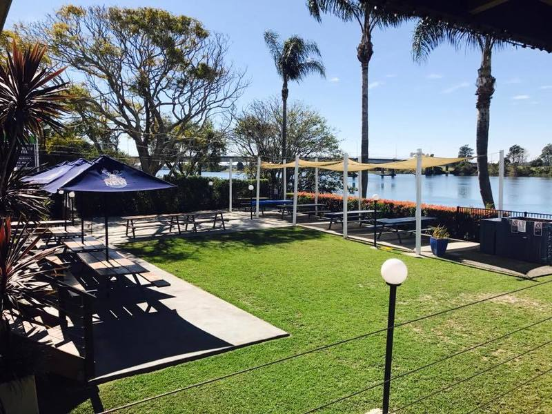 LEASEHOLD HOTEL FOR SALE Riverview Hotel, Smithtown