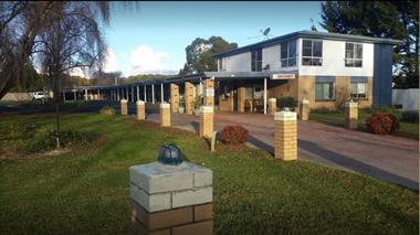 LEASEHOLD MOTEL FOR SALE NEW ENGLAND HWY POSITION