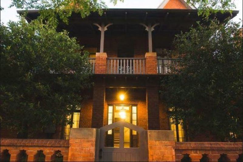 LUXURIOUS BOUTIQUE APARTMENT HOTEL FOR SALE - PREMIER REGIONAL CITY