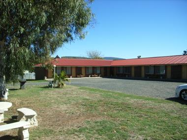 MOTEL FOR SALE - CLOSE TO TAMWORTH