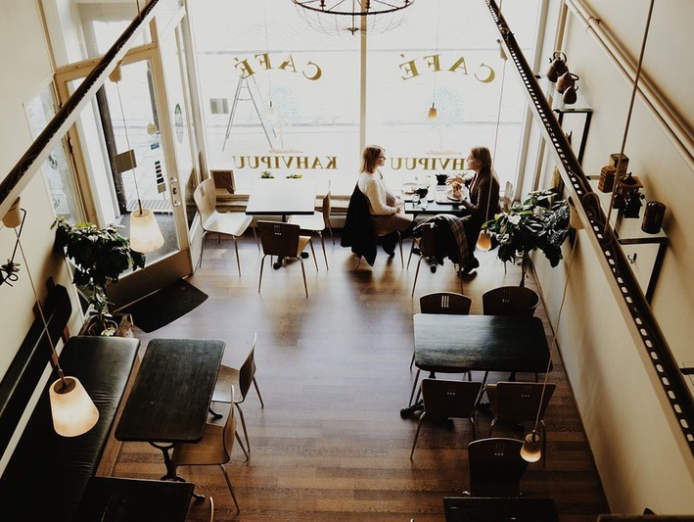 cafe-bar-restaurant-plenty-4446283-0