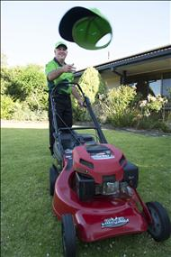 lawn-and-garden-franchise-now-available-in-the-gold-coast-urgent-must-sell-6