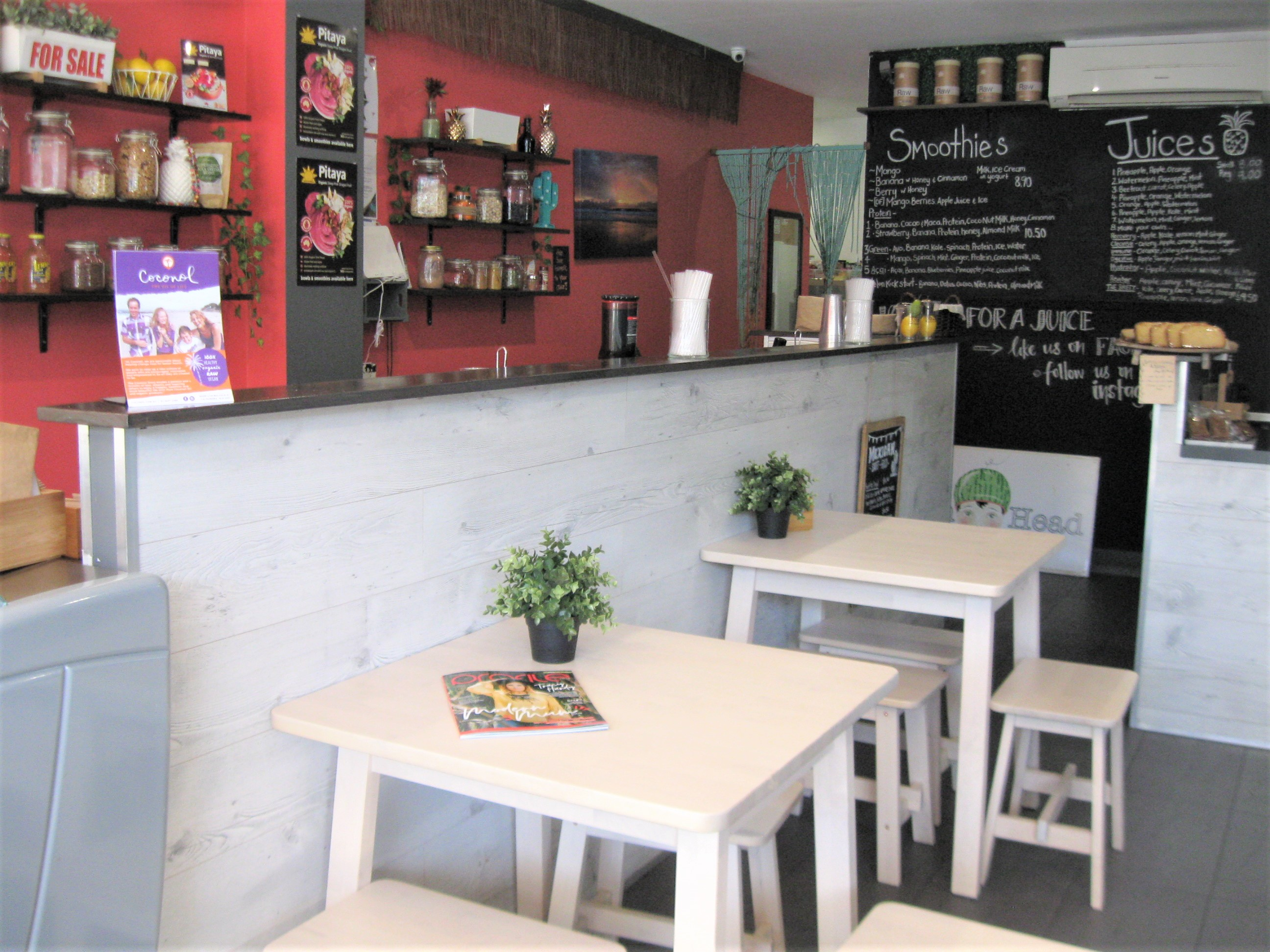 Juice Bar and Cafe