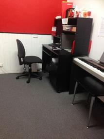 small-piano-music-school-requires-a-new-owner-1