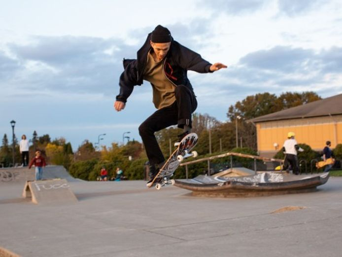 unique-skateboards-and-scooters-online-and-warehouse-outlet-127-3