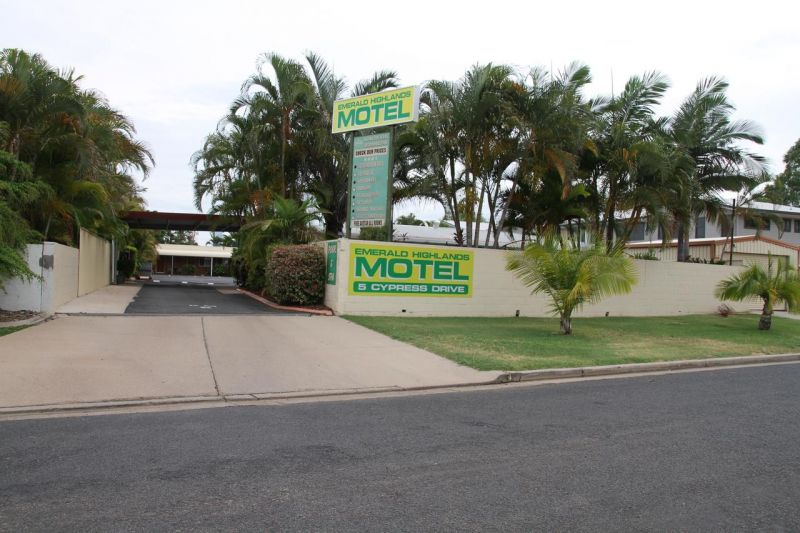 Excellent return on freehold motel in the Central Highlands - lease can be split