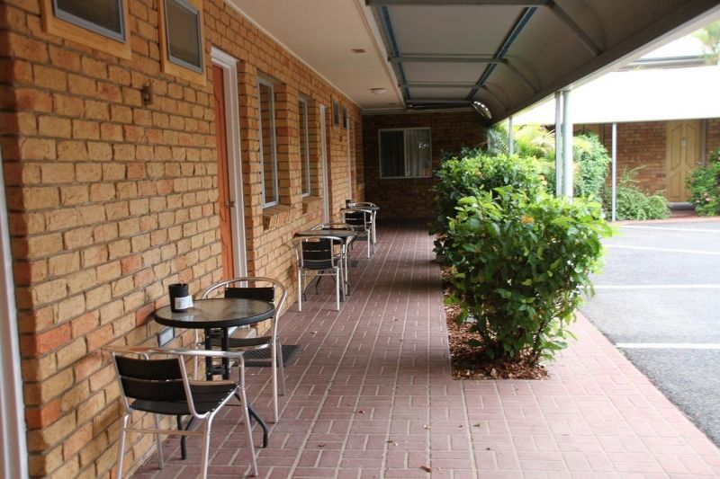 excellent-return-on-freehold-motel-in-the-central-highlands-lease-can-be-split-3