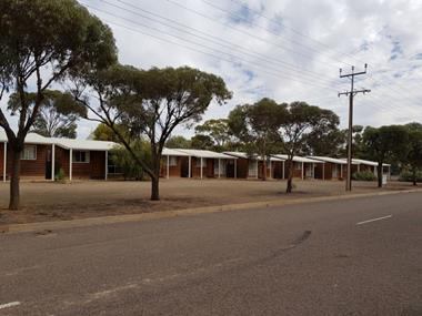 Exceptional Returns - Lifestyle Motel Business plus Units  - Gateway to the Flin