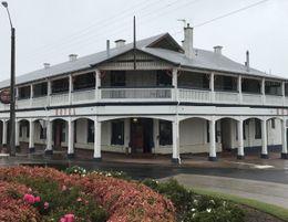 East Gippsland Accommodation Hotel/ Restaurant/ Tavern Complex Freehold & Busine