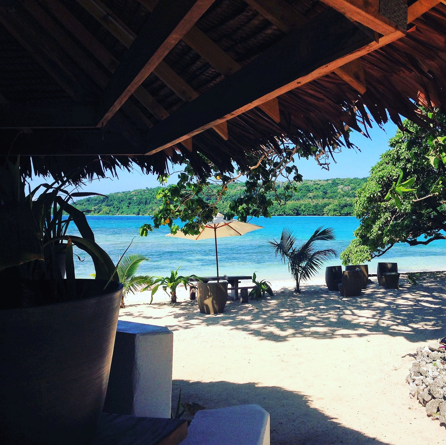 Waterfront land, holiday bungalows, restaurant and beach bar in Vanuatu