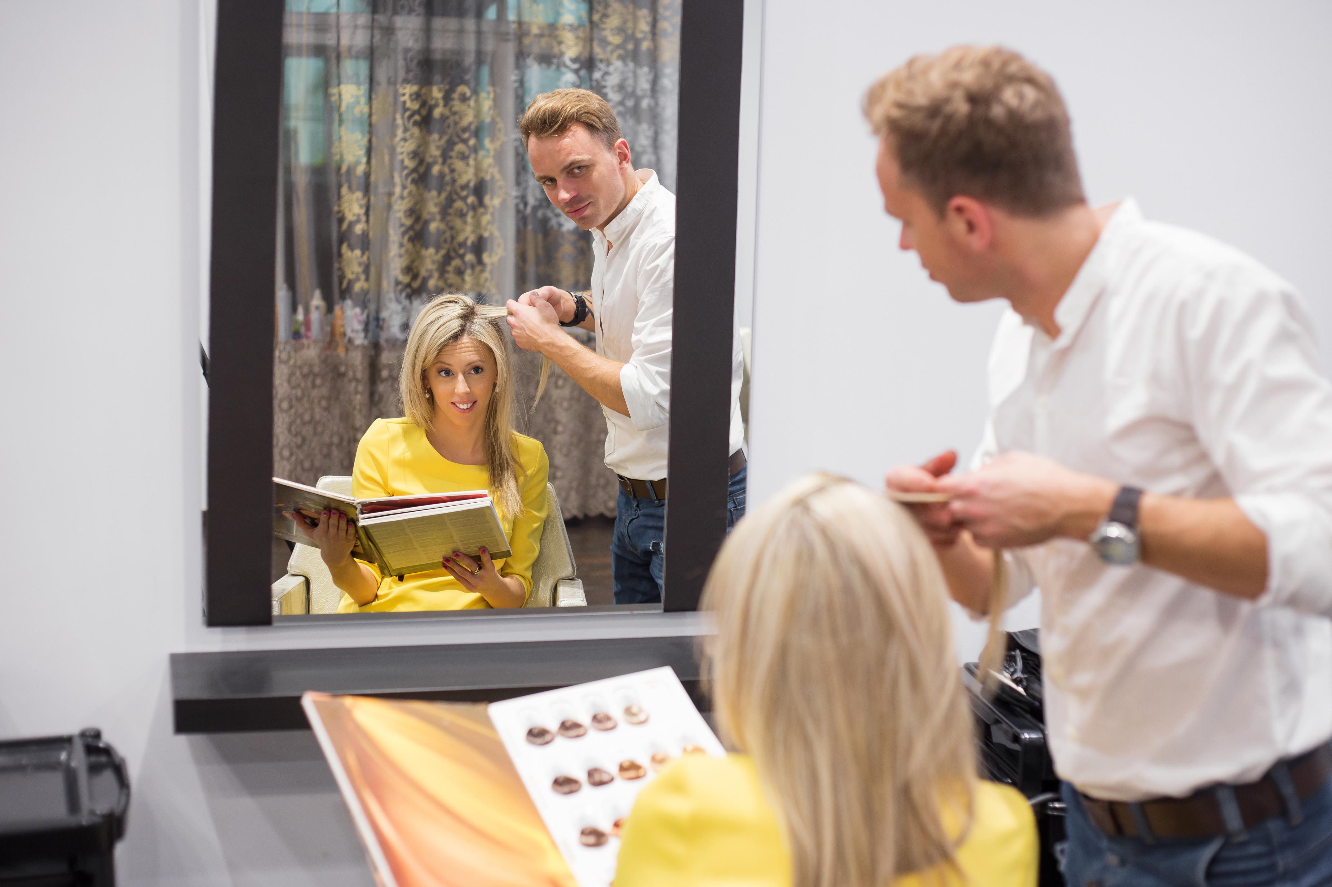 Gold coast hair salon for sale located in Chevron Island