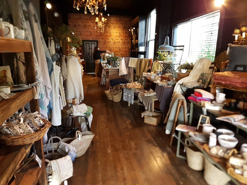 18102 Beautiful Homewares & Unique Vintage Store - MASSIVE PRICE REDUCTION
