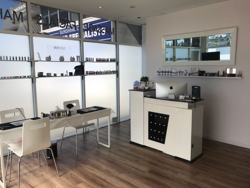 18133 Successful Beauty Salon on the Sunshine Coast